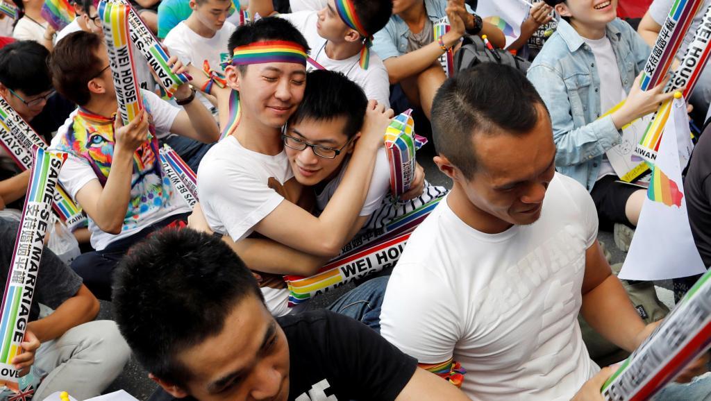 Justicia de Taiwán se pronuncia a favor de matrimonios igualitarios
