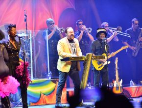KC and the Sunshine Band vuelve a Chile