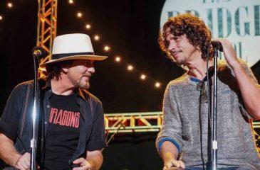 Pearl Jam dedicó sencillo y emotivo homenaje a Chris Cornell