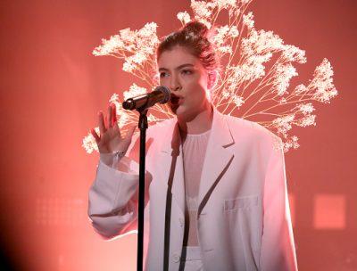 Lorde interpretó Perfect Places en el show de Jimmy Fallon