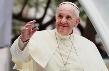 Premio nacional de historia Gabriel Salazar analiza visita del papa Francisco