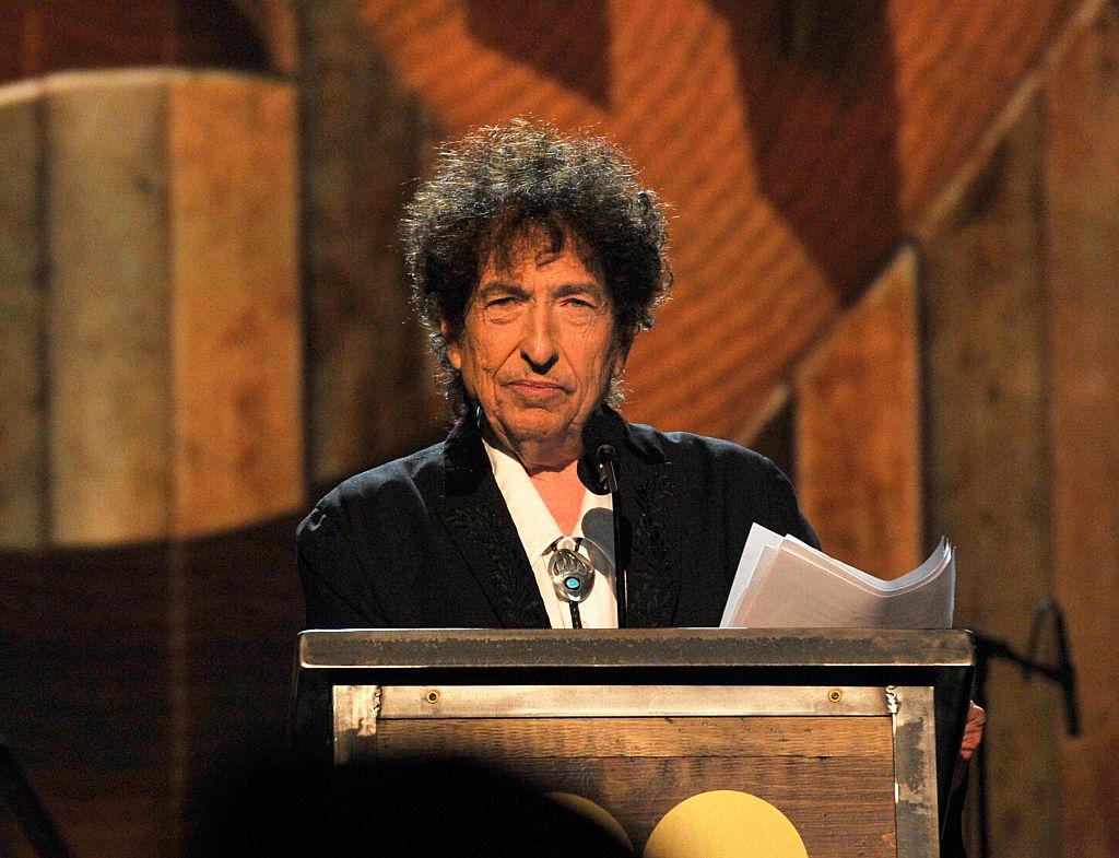 Cantautor Bob Dylan aceptó Premio Nobel de Literatura 2016