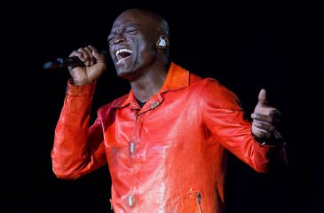 12 de junio: Seal llegó al número uno en Reino Unido