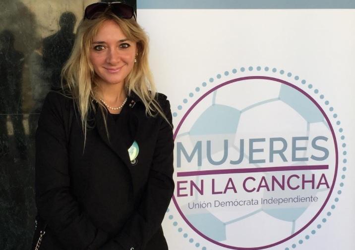 Luis Larraín realiza humorada a la candidata a diputada UDI Loreto Letelier