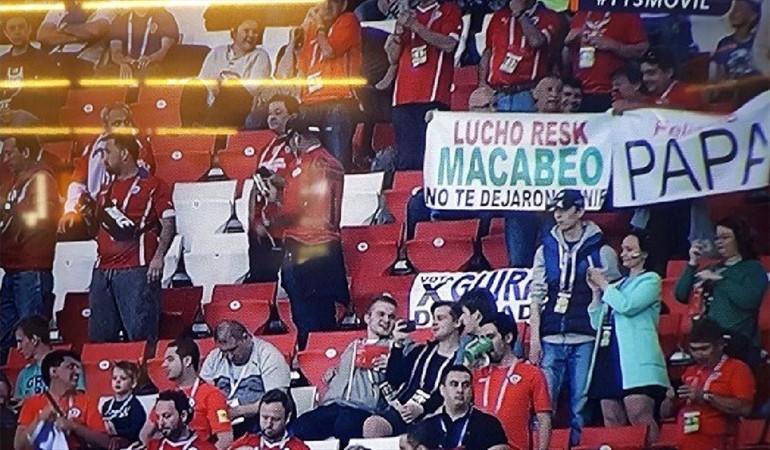 El divertido cartel con el que hinchas de La Roja trollearon a amigo que no fue a la Copa Confederaciones