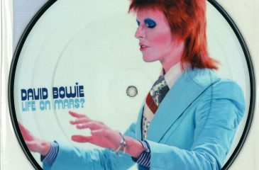 "22 de julio: David Bowie lanzó el single ""Life On Mars"""