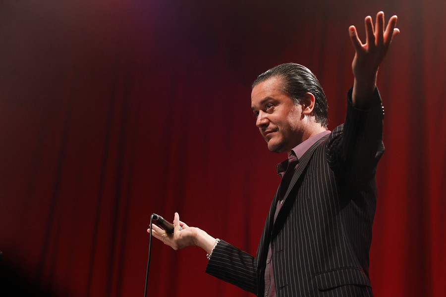 Mike Patton sufrió accidente de tránsito y debió cancelar show