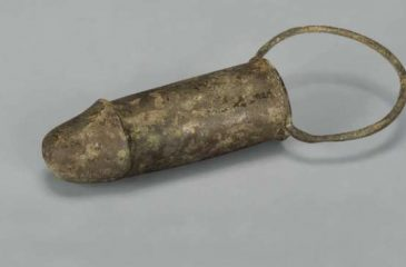 Arqueólogos encuentran juguetes sexuales de dos mil años de antigüedad