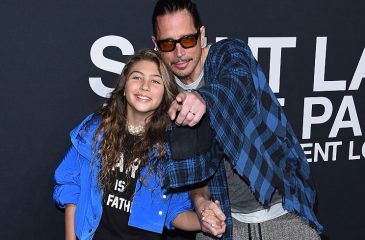 "Hija de Chris Cornell canta ""Hallelujah"" en emotivo homenaje a su padre"