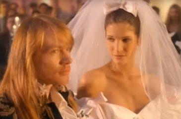 """Así luce la novia del video de """"November Rain"""" de Guns N' Roses, 25 años después"""
