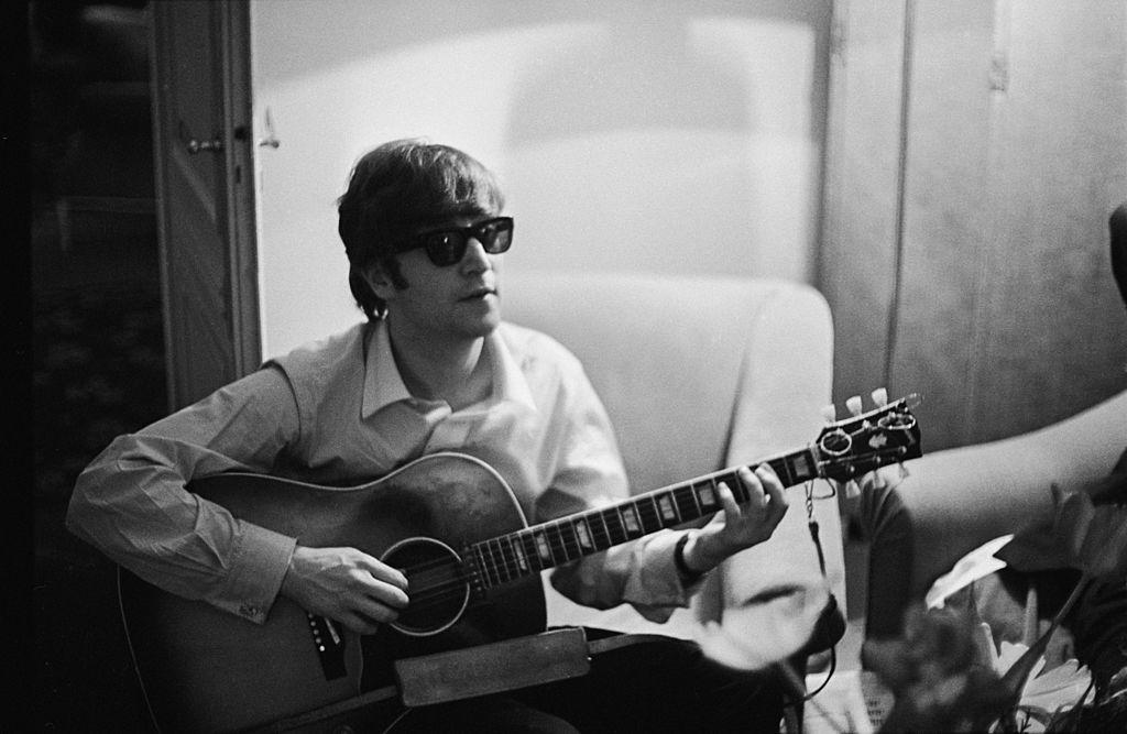 GALERÍA | Las fotos que marcaron la vida de John Lennon