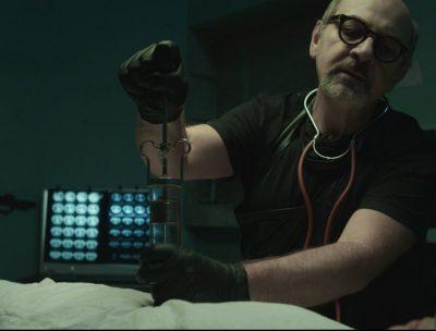 """""""Ovnis"""", el video de José Biggs protagonizado por Luis Gnecco"""