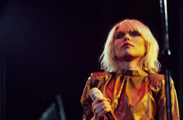 15 de noviembre: Blondie conquistó las listas inglesas con The Tide is High