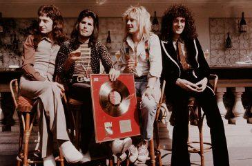 16 de noviembre: Queen se convirtió en la banda con más discos vendidos en el Reino Unido