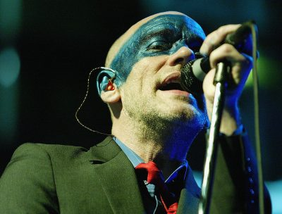 "R.E.M. lanzó un nuevo video para adultos de ""Nightswimming"""