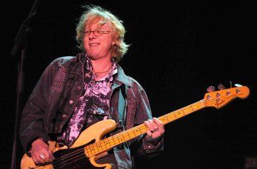 17 de diciembre: ¡Feliz cumpleaños Mike Mills de R.E.M.!