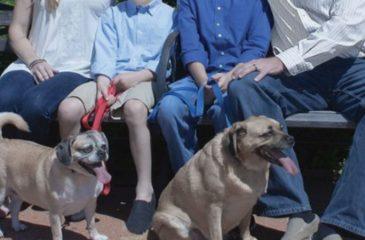 Pagó por una sesión de fotos a su familia: El resultado es viral en la web