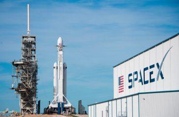 Este martes se lanzará el cohete más poderoso del mundo, con David Bowie de fondo
