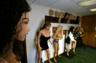 Conoce la empresa que fabrica muñecas sexuales con inteligencia artificial