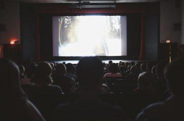 Ir al cine es la actividad cultural favorita de los chilenos