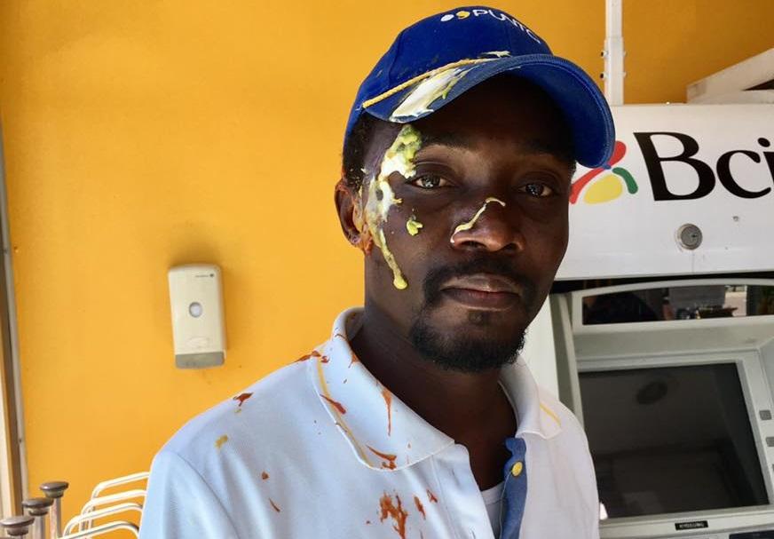 Migrante haitiano sufrió repudiable agresión en Santa Cruz — Completos idiotas