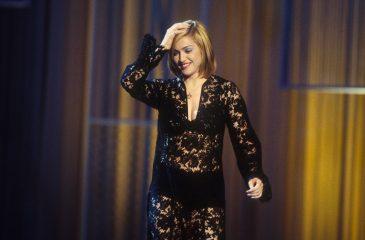 """18 de abril: Madonna estaba en el número 1 en el Reino Unido con """"Vogue"""""""