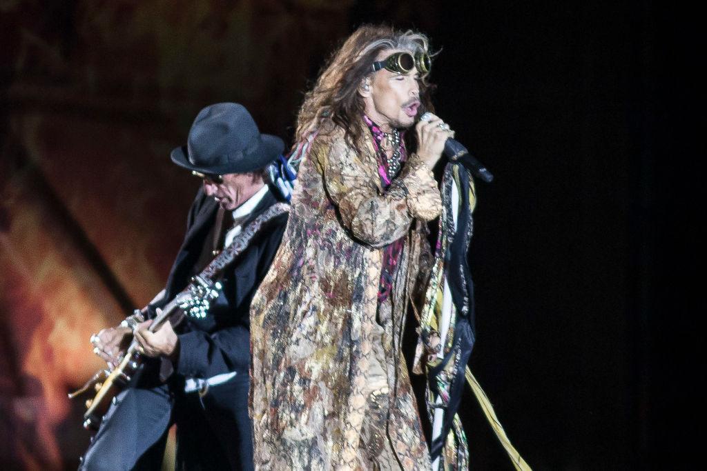 Sernac presenta demanda colectiva contra productoras tras cancelación de Aerosmith
