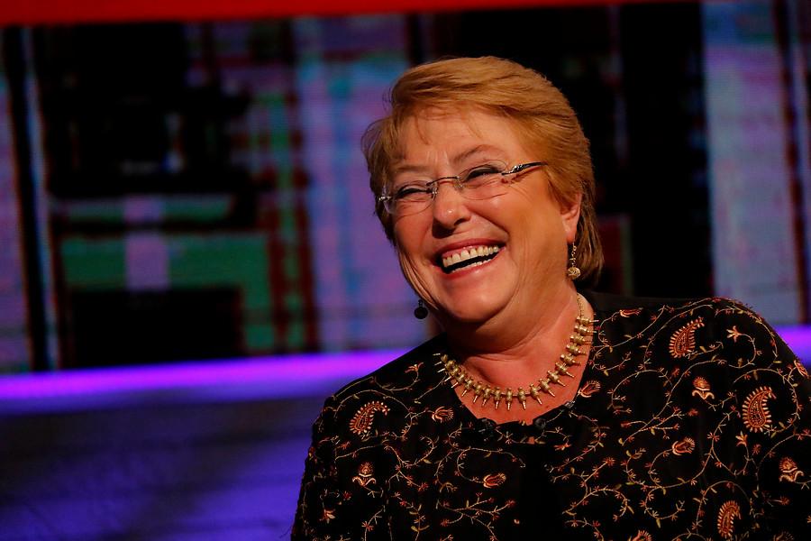 Bachelet aprovechó el Día de Star Wars para defender su legado