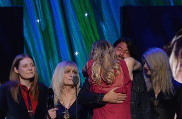 """Courtney Love hizo las paces con Dave Grohl: """"Somos familia"""""""