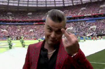 Salió jugando: La explicación de Robbie Williams a su gesto en la inauguración del Mundial