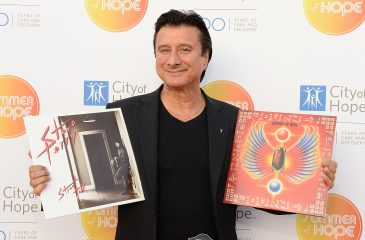 "Steve Perry estrenó nuevo sencillo, ""We're Still Here"""