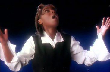 """17 de octubre: Tasmin Archer estaba en el número uno con """"Sleeping Satellite"""""""