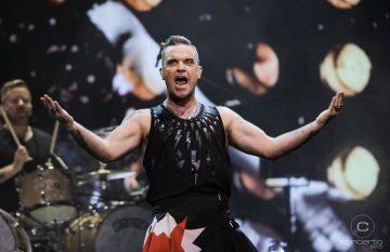 Robbie Williams cautivó a sus fans en su regreso a Chile