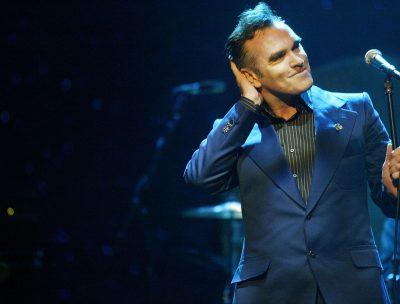 Morrissey abandonó concierto tras ataque de fanáticos