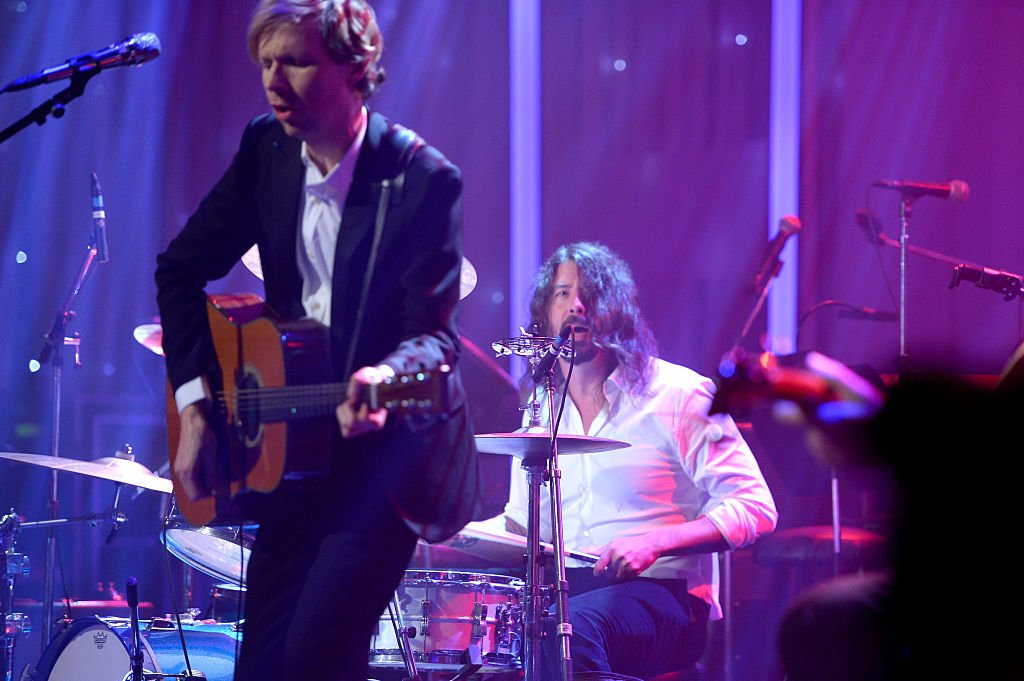 ST. VINCENT, BECK Y DAVE GROHL VERSIONAN A BLONDIE