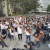 """Estudiantes en Colombia protestaron con """"El Baile de Los que Sobran"""""""