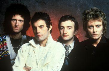 16 de noviembre: Greatest Hits de Queen se convirtió en el disco más vendido de UK