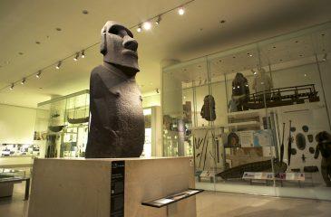 Contra la corriente: Alcalde de Rapa Nui se desmarca de esfuerzos por recuperar moái