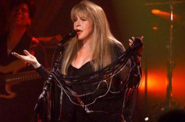 Stevie Nicks es la primera mujer en entrar dos veces al Salón de la Fama del Rock & Roll