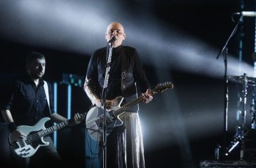 "The Smashing Pumpkins presentaron ""Knights of Malta"" y ""Silvery Sometimes (Ghosts)"" en vivo"