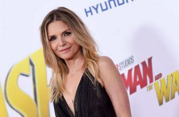 Michelle Pfeiffer debutó en Instagram con notable guiño a Catwoman