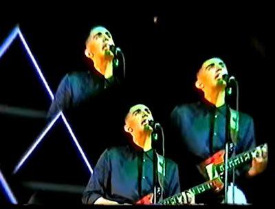 "Alex Anwandter lanza video para su single ""Axis Mundi"""