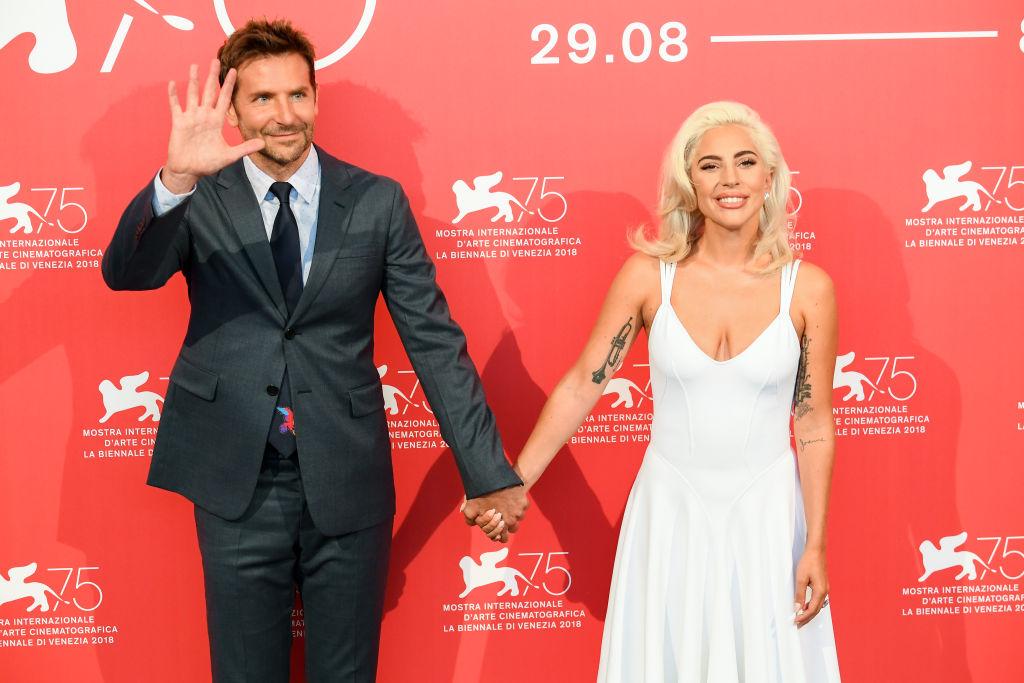 Bradley Cooper se avergüenza por no ser nominado como Mejor Director