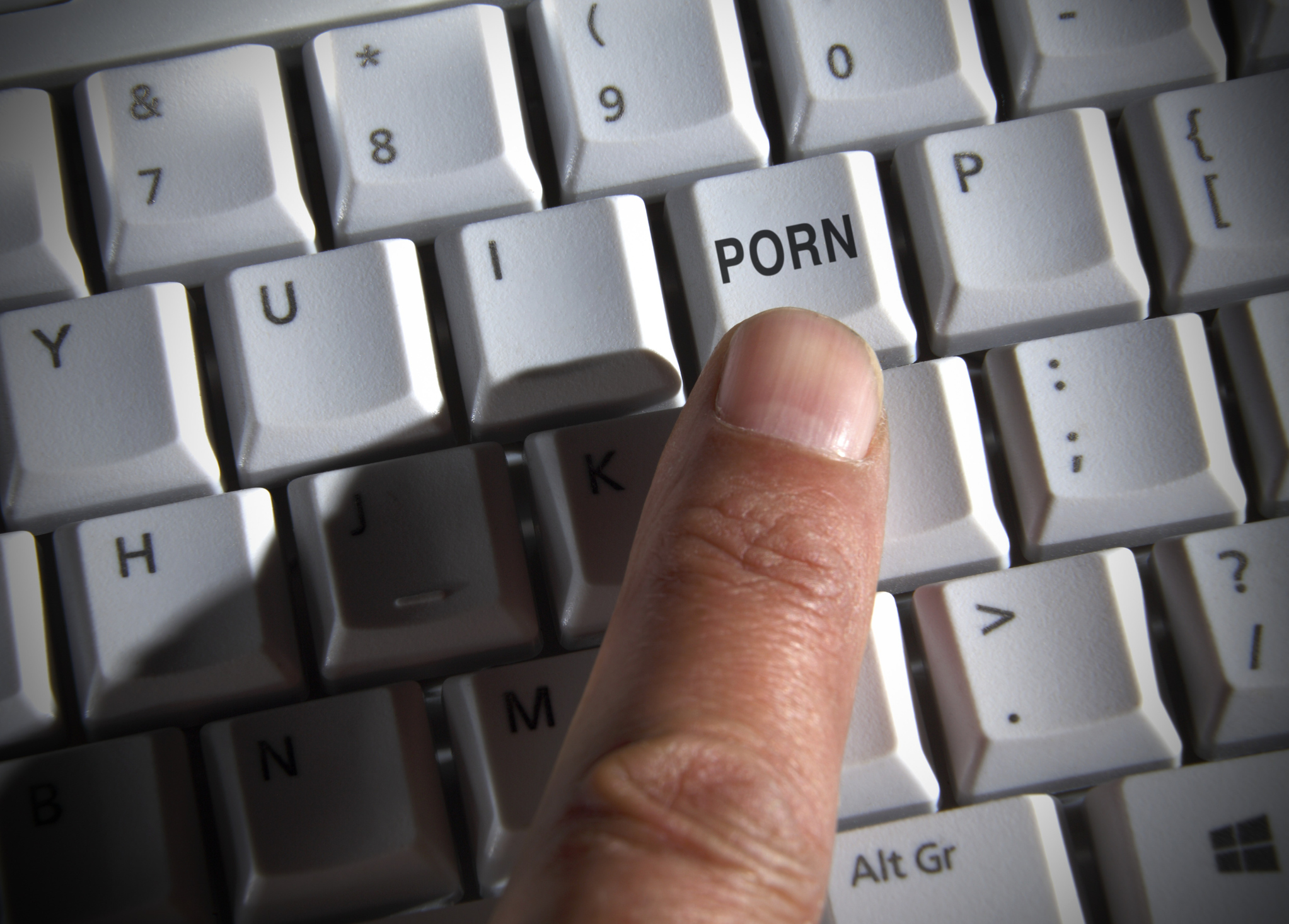 Según informó Fox News, un ciudadano estadounidense demandó a sus padres  por haber destruido su colección de porno de miles de dólares.
