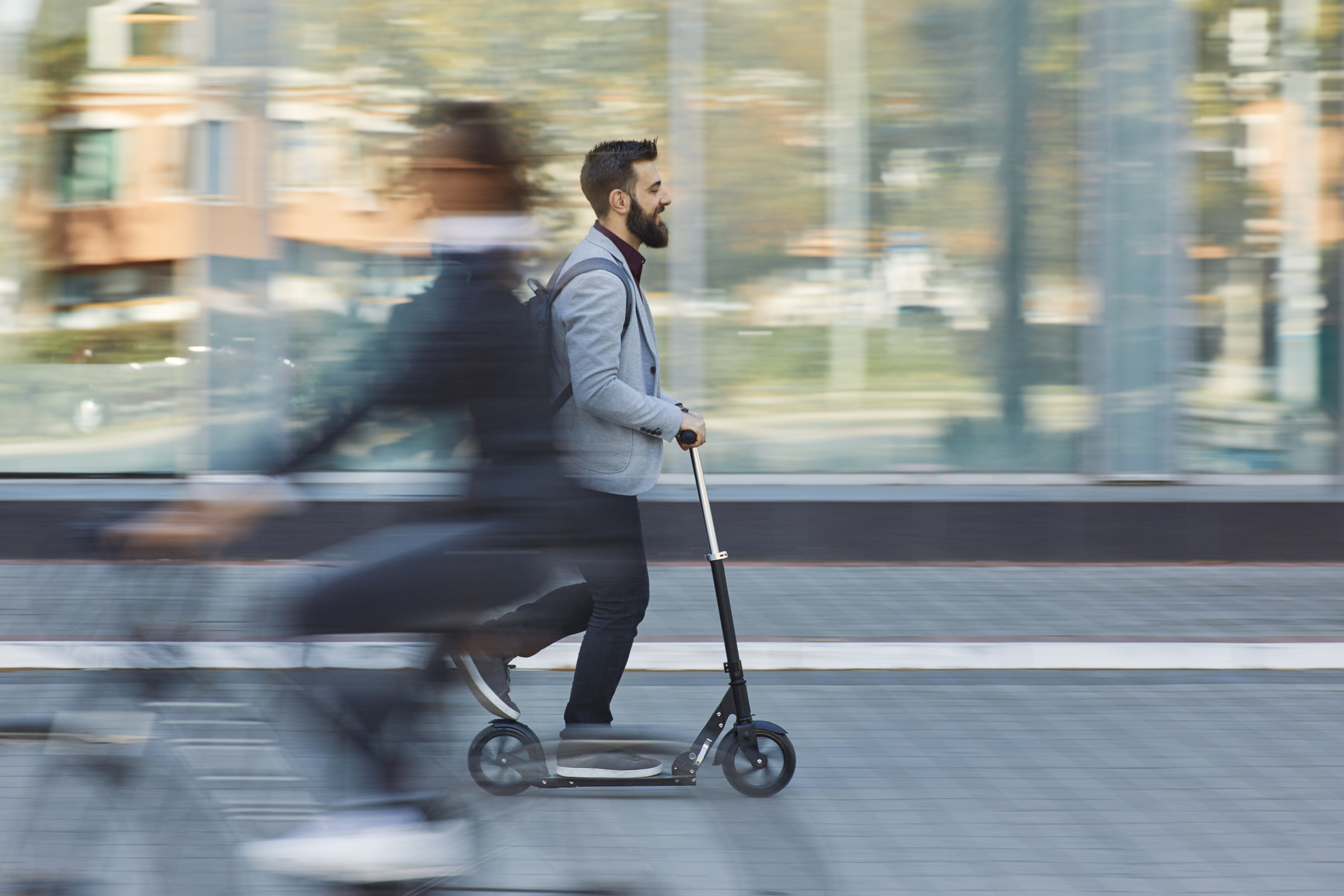 Valdivianos se llevan scooters públicos para la casa — Encariñados