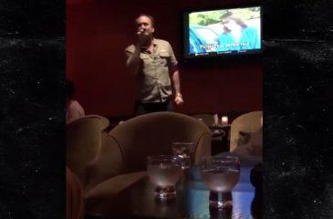 """Captan a Nicolas Cage gritando """"Purple Rain"""" de Prince en un karaoke"""