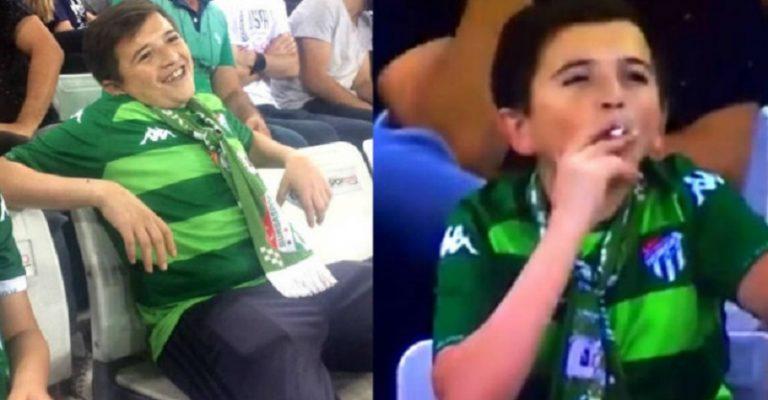 La sorprendente historia detrás del video de niño fumando en pleno estadio