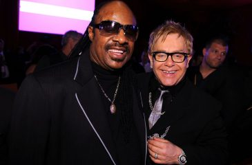 elton john stevie wonder manejar solo