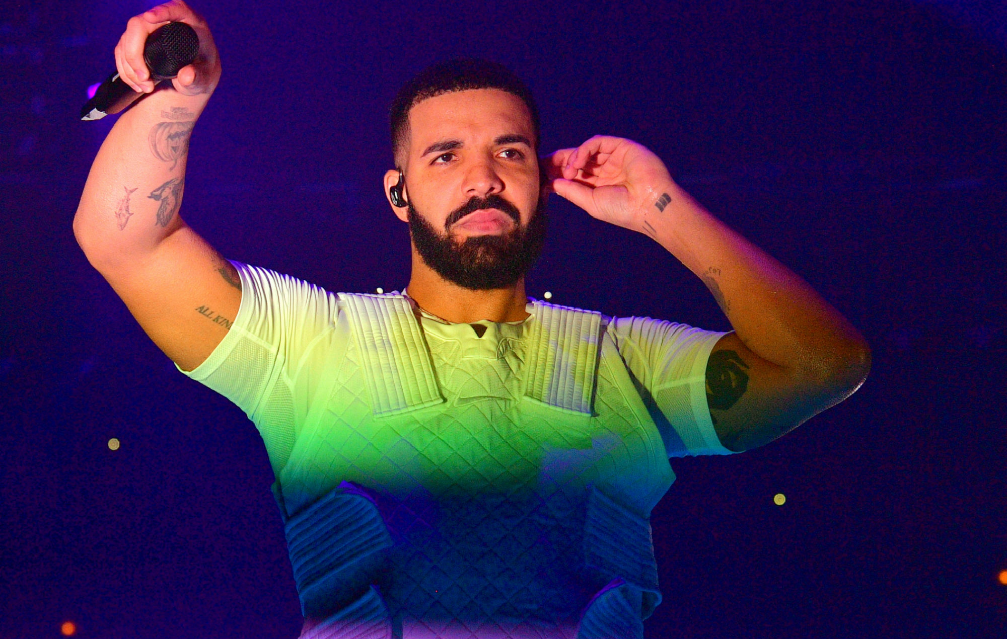 Drake cortó show por pifias del público — Radio Concierto
