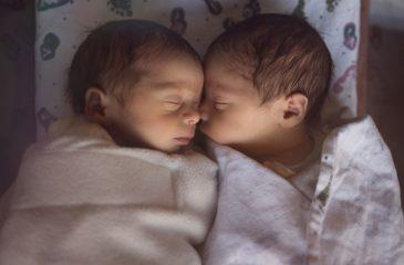 gemelos referencial pareja web